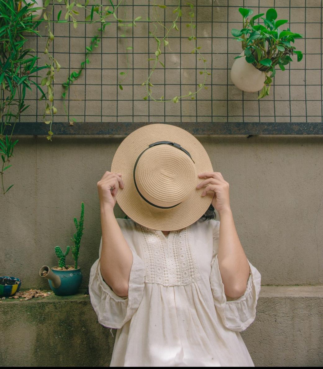 daytime-funny-garden-1076583